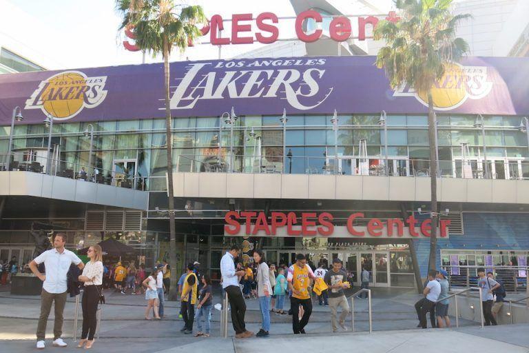 QUE-VER-EN-LOS-ANGELES-LAKERS-BASKET-STAPLES-CENTER