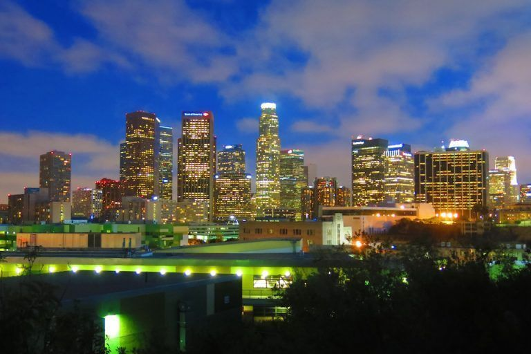 QUE-VER-EN-LOS-ANGELES-VISTA-HERMOSA-PARK-SKYLINE